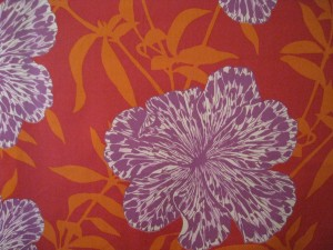 Graphic flower print for the bed