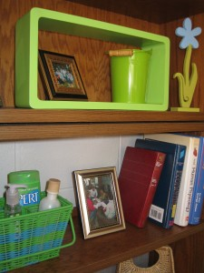 USe colorful baskets and containers to hold your toileties and towels.