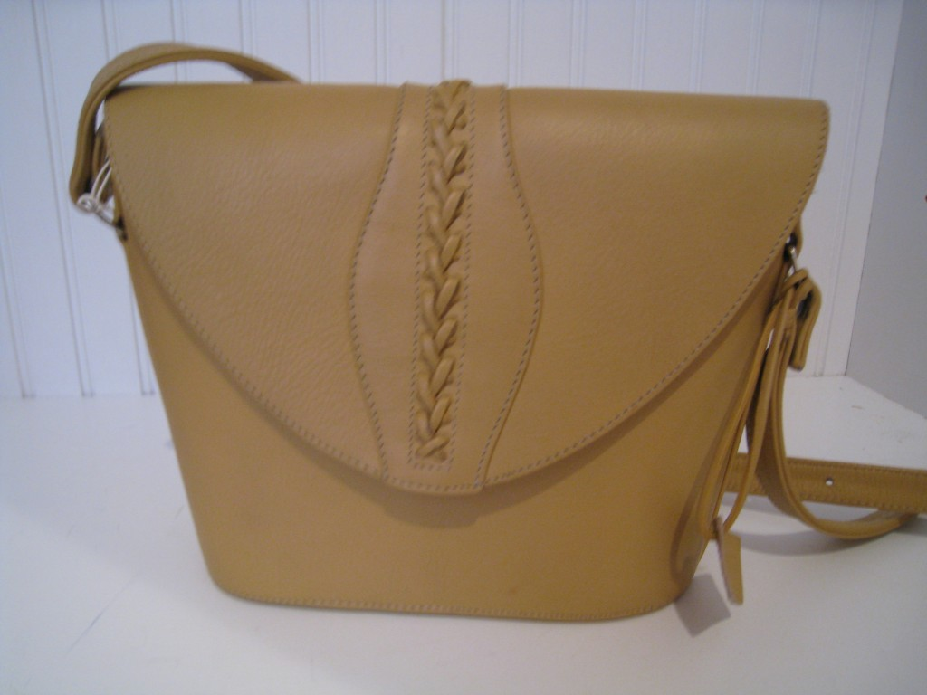 Structured leather handbag, imported from Costa Rica.  Never used.  $25.00