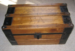 Pull up an old trunk for a cozy table for two