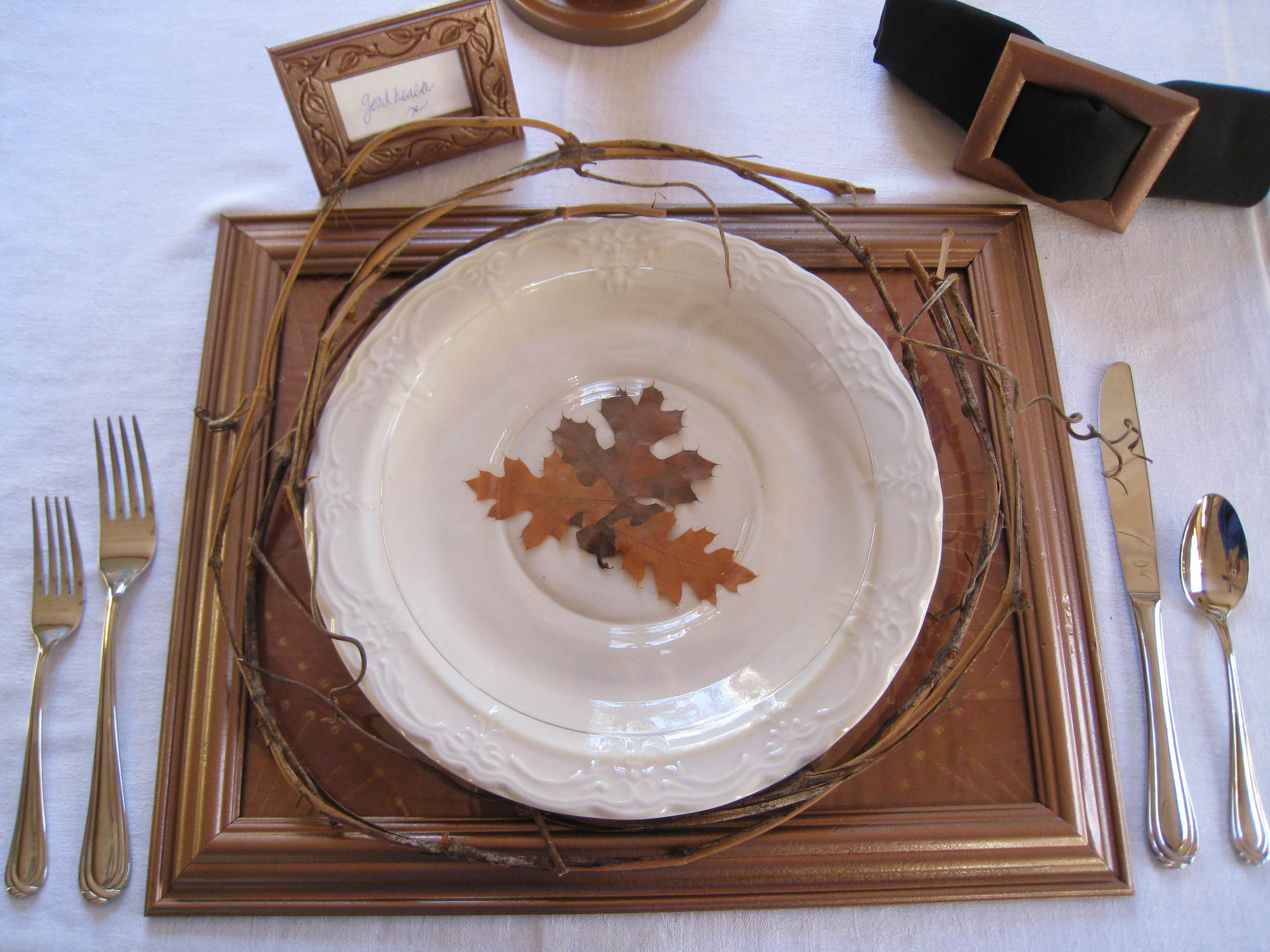 Set a beautiful, rustic table this Thanksgiving