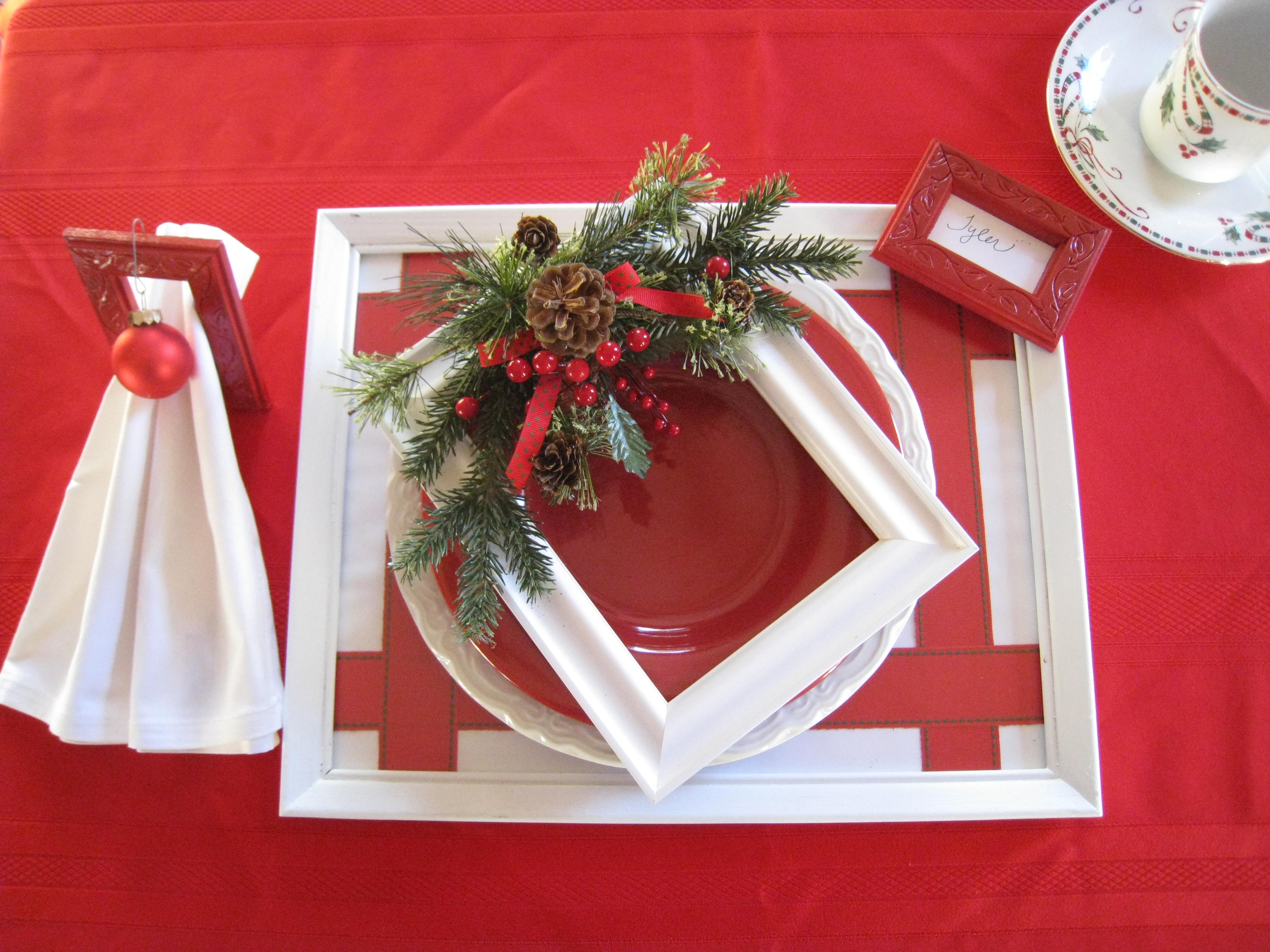 Paint the same frames white and you have a Christmas setting.