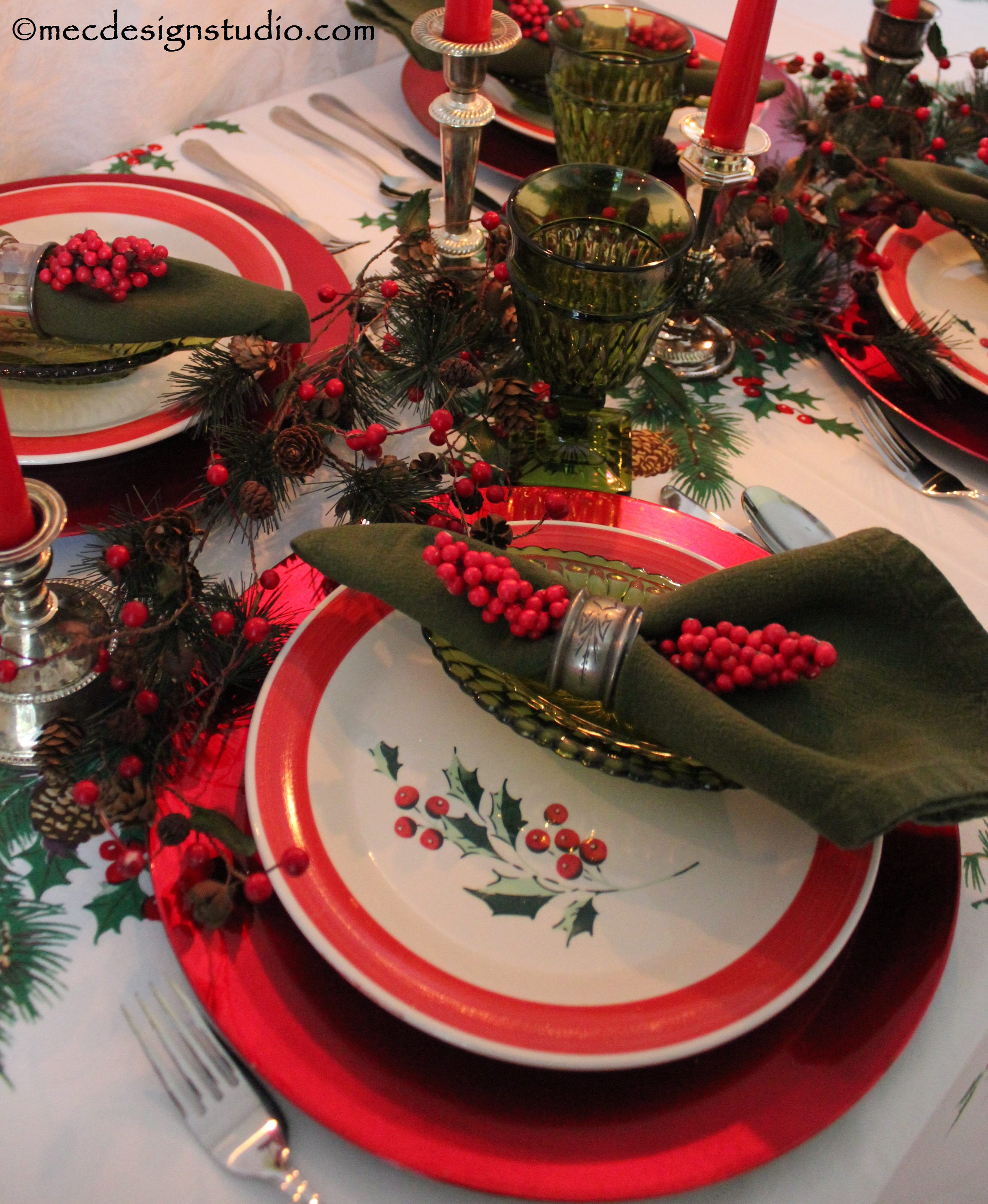 Retro Chic Christmas Tablesetting