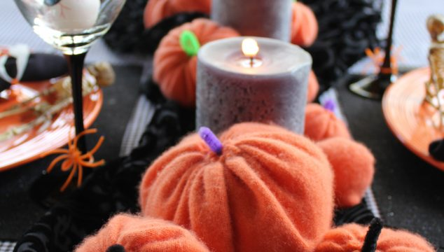 10 Tips for Setting a Spooky Halloween Table