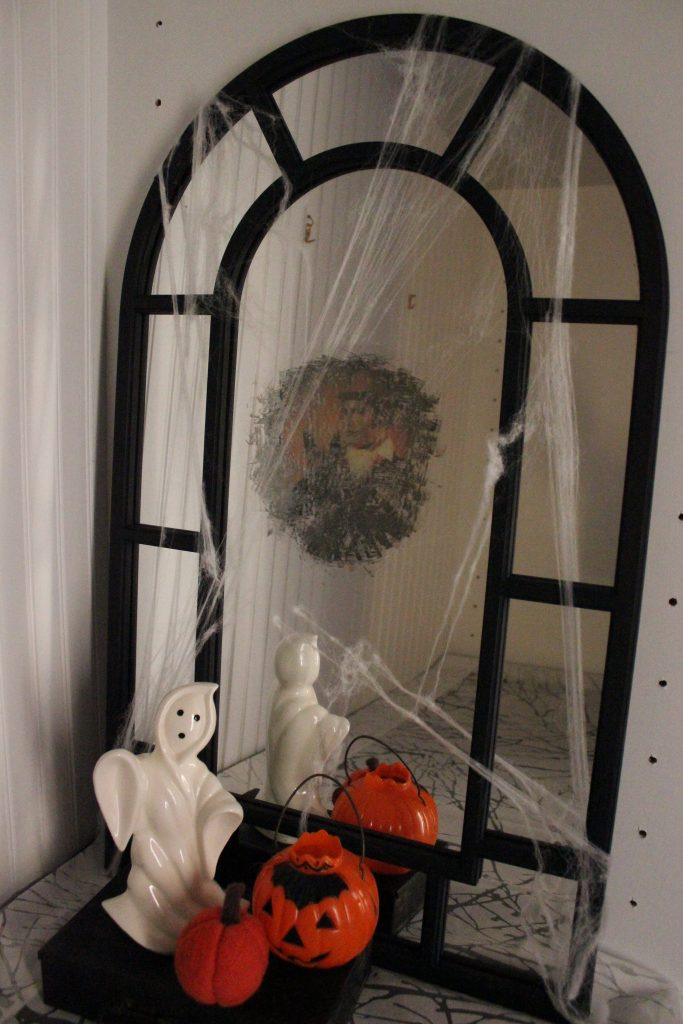 Creepy Halloween Mirror