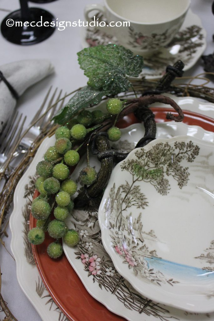 Tuscany Tablesetting Grapes