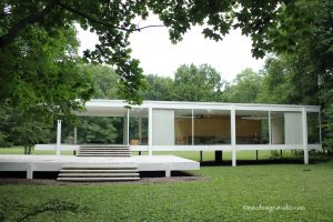 Farnsworth House Front