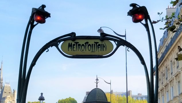Paris Métro Sign